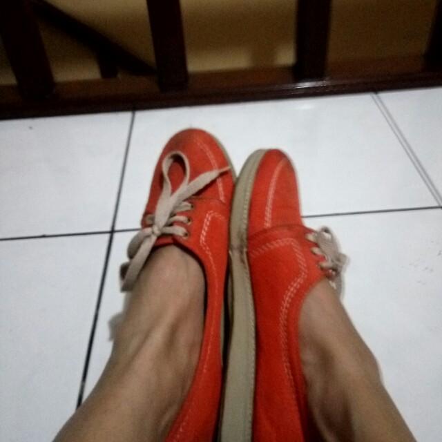 Oranhe simple shoes