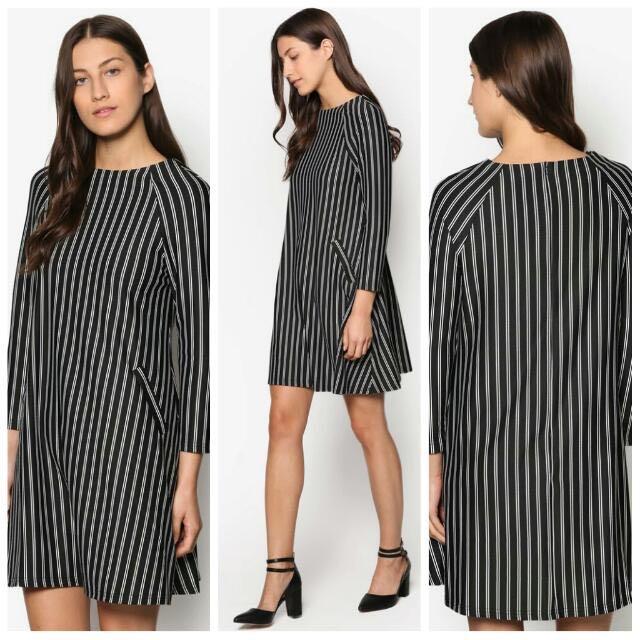 SALE  Raglan Swing Dress OL Black Grey VINTAGE
