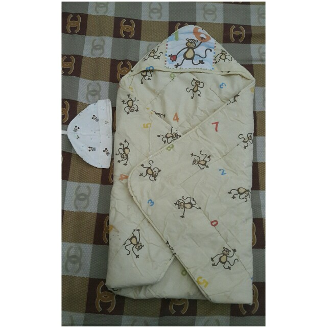 Selimut baby elegant free topi