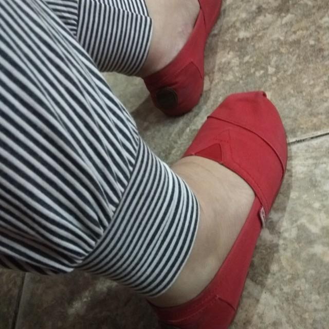 Sepatu Wakai Original Merah Size 37