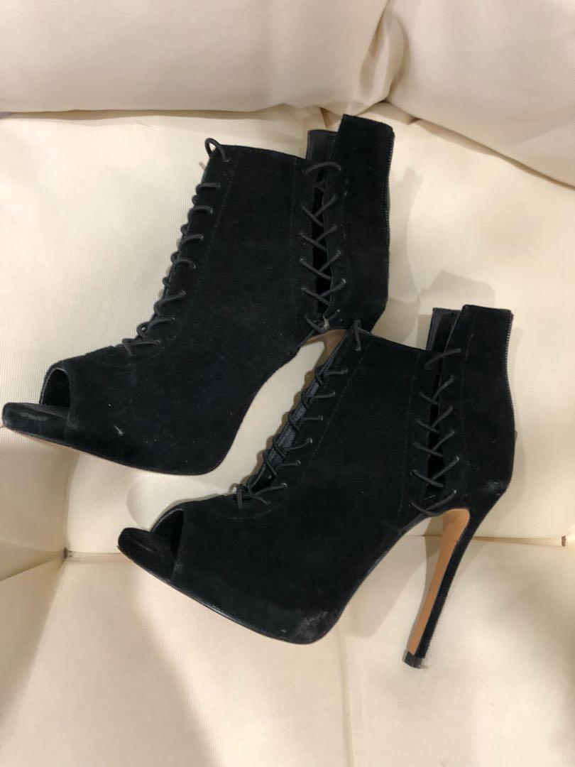Siren black booties size 36.5
