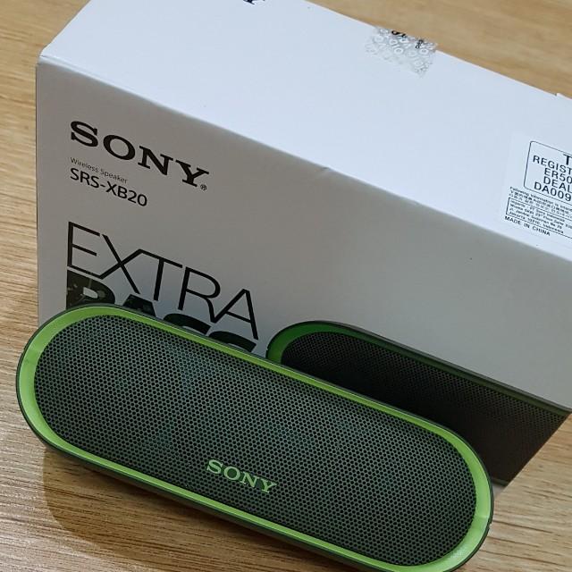Portable Sony wireless speaker xb20
