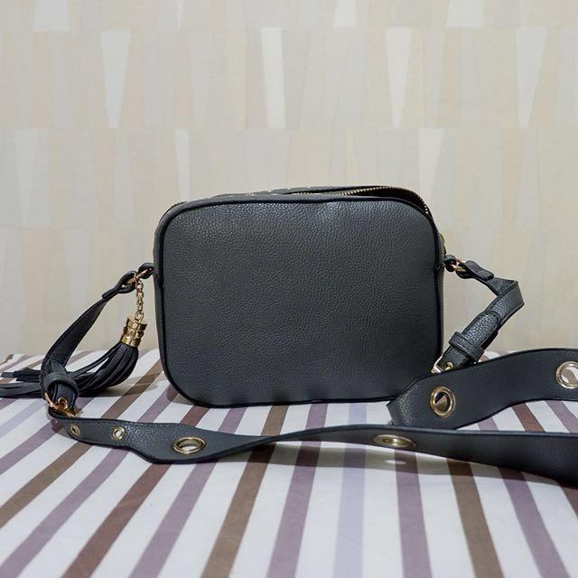 Usupso Sling Bag with Tassle