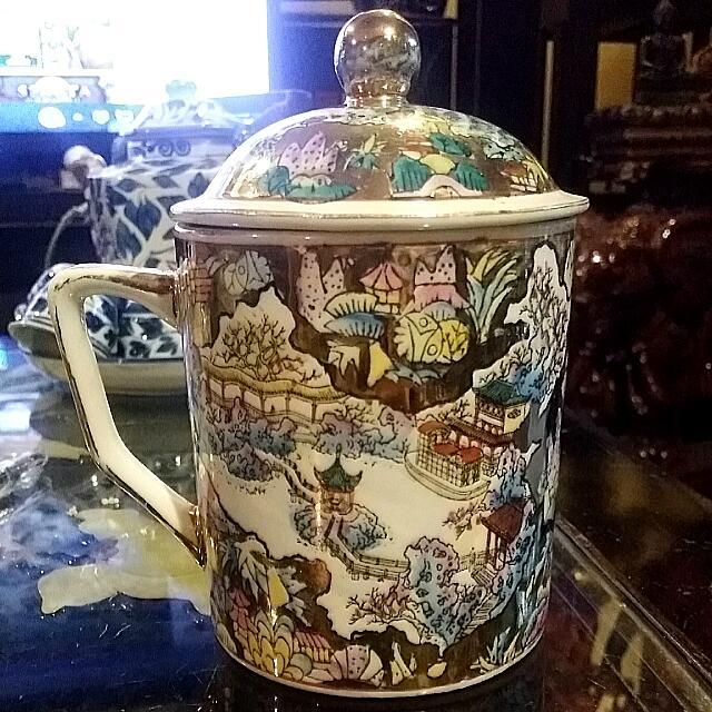 Vintage Chinese Porcelain  Gold Mug With Lid  Handpainted Art