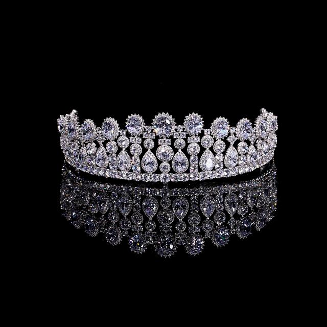 Wedding Crown Wedding Tiara Full Zirconia . Like NEW! Mahkota Wedding.