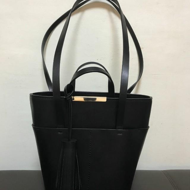 61037da3327 Zara Tote Bag (Medium) for sale!!, Women's Fashion, Bags & Wallets ...