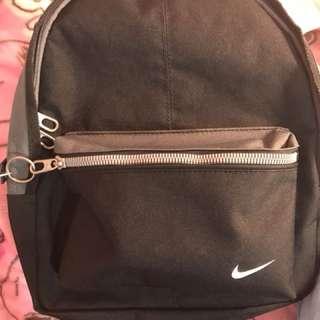Nike小背包