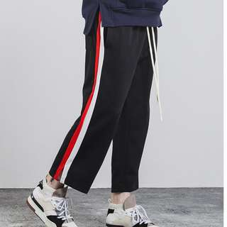 //Double Stripe Cropped Jogger