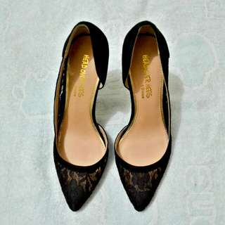 Authentic black heels GOOD AS NEW!