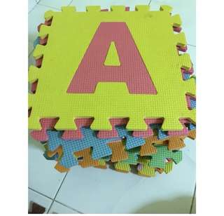 PLAYMATS/PLAY PEN/ABC