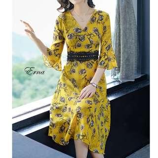Erna Floral Dress. S-2XL.