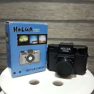 Brand New lomography Holga 120GN Point and Shoot Film Camera