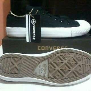 Sepatu converse allstar chuck taylor