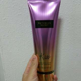 Victoria's Secret Lotion: KISS