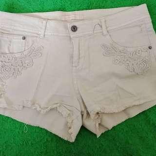 Hotpants bershka size 28-29