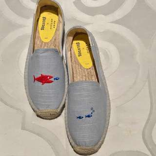 BRAND NEW Soludos Smoking Slippers (Fishies)
