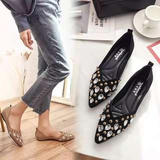 2018 spring new women's singles shoes Korean fashion pointed v mouth shallow mouth lazy shoes feet feet a pedal