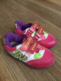Girls shoes EUR26size