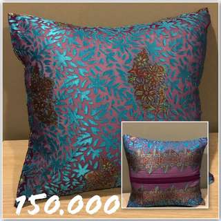 Sarung bantal cushion cover