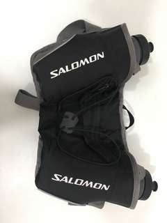 Salomon水壺腰包