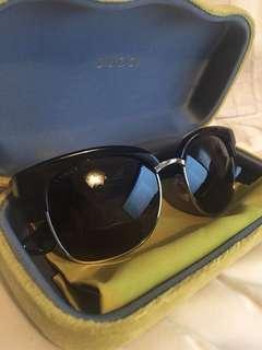 *REDUCED PRICE* Women's Gucci sunglasses