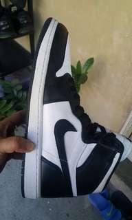Jordan 1 B&W size 10.5
