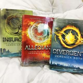 Divergent Trilogy Series (Hard Cover)