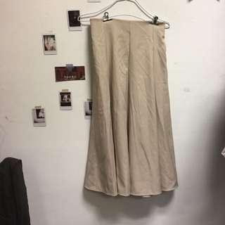🚚 杏色氣質垂墜傘裙