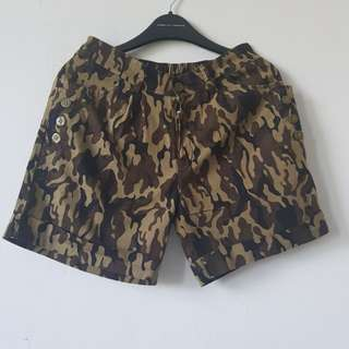 Celana pendek army look fit s m