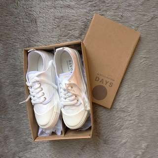 Belle Maison White Sneakers