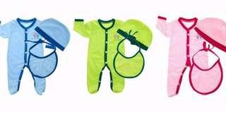 Newborn sleepsuit set