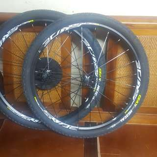 Wheel set Cosmic mavic 26er 24 holes with Geax tire26x1.9 with kenda inner tube 26x1.9/2.35