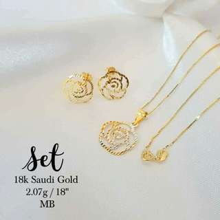 18k saudi gold necklace with pendant and earring