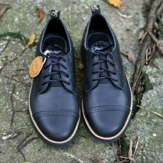 Bradley's Giemly Black material Kulit Pull Up | size 39-43