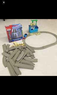Fisher-Price Thomas and friends train and expansion set