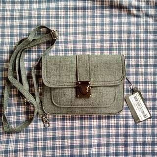 FREE SHIPPING (BNEW) F&H 2 Way Small Bag