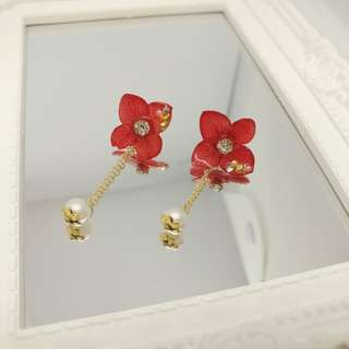 鮮豔紅日本真花兩用耳環