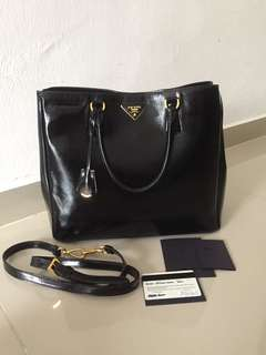 prada saffiano authentic