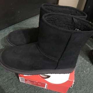 🚚 H&M 雪靴 黑色 內刷毛 短筒靴 微厚底
