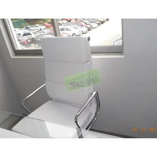 WHITE LEATHERETTE EXECUTIVE CHAIR & OFFICE TABLE--KHOMI