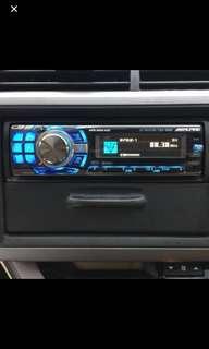 Alpine CD/USB headunit CDA-9886 with Remote.