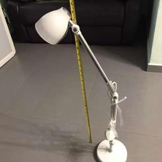 Ikea座枱燈