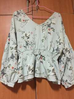 Buy one get one free BYSI Floral Top