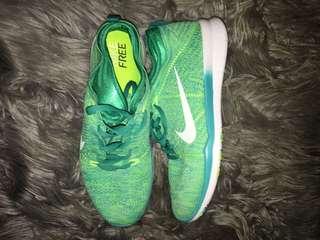 Nike Free TR Flyknit Green