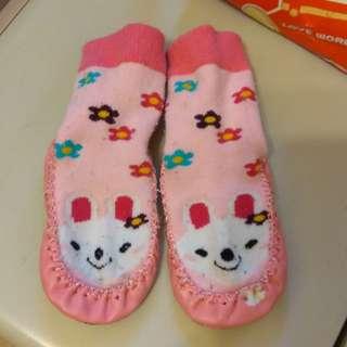 (2組79)韓版韓版卡通皮底鞋襪 童學步鞋襪 防滑地板船襪 15cm