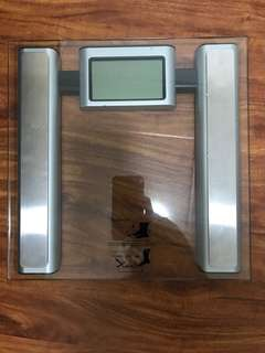 Electronic weight measuring Scale