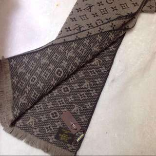 Authentic Men's LV wool scarf M78524
