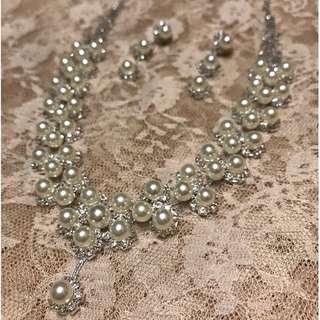 [100%全新] 新娘串珠花型閃鑽珍珠首飾(頸鍊連耳環)