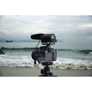 Saramonic Vmic Recorder Microphone with LCD monitor for DSLR Camera/Camcorder