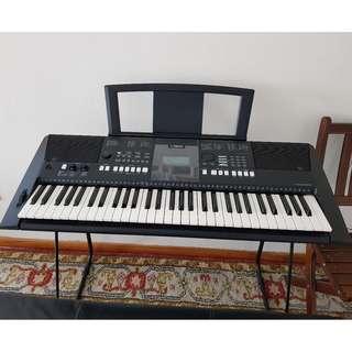 Yamaha Keyboard PSR E423